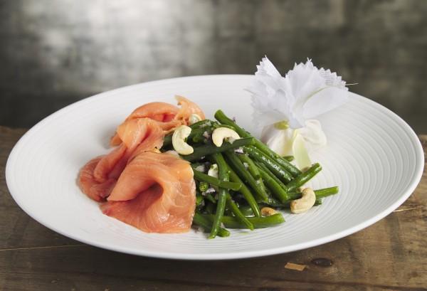 Salade de haricots verts au saumon Balik Classic et noix de cajou (pour 2 personnes)
