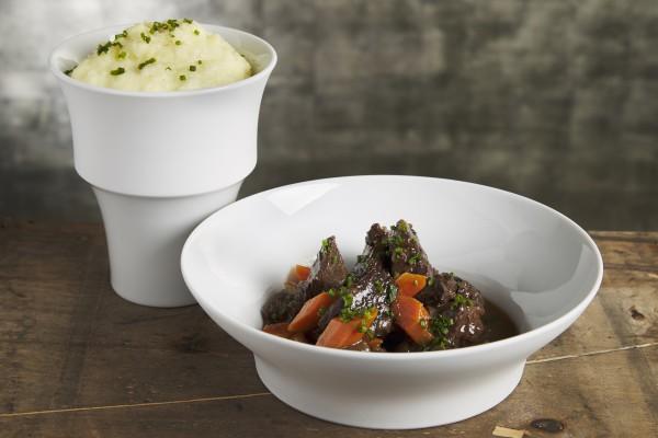 Boeuf braisé aux carottes, mousseline de pomme de terre agria (pour 2 personnes)